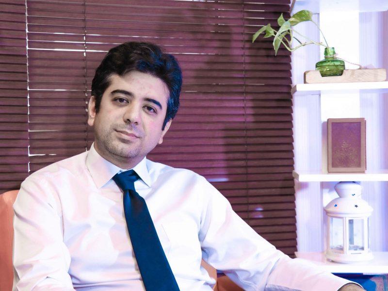 دکتر مانی رفیعی